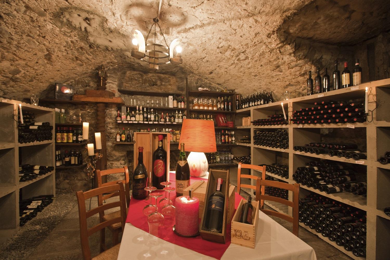 Cantina vino 1